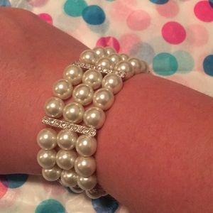 Jewelry - Pearly bracelet